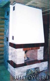 Камин с отделкой декоративным камнем